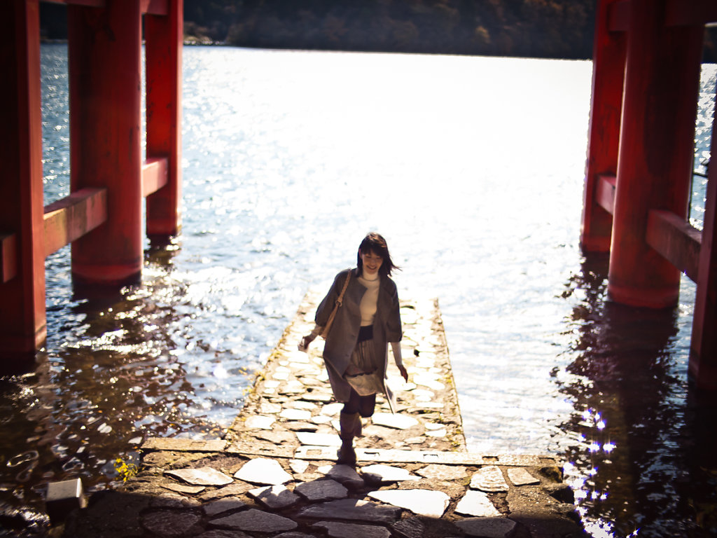 Girl at Torii 鳥居 on Lake Ashi, Hakone Shrine