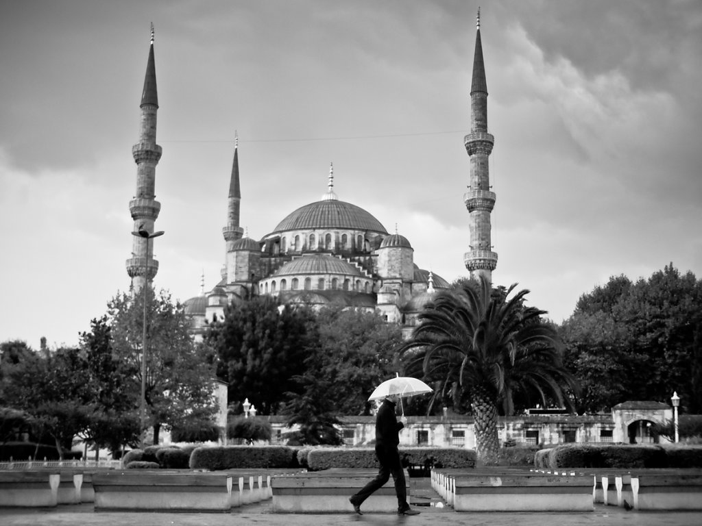 Rain and the Blue Mosque, Sultanahmet - Istanbul