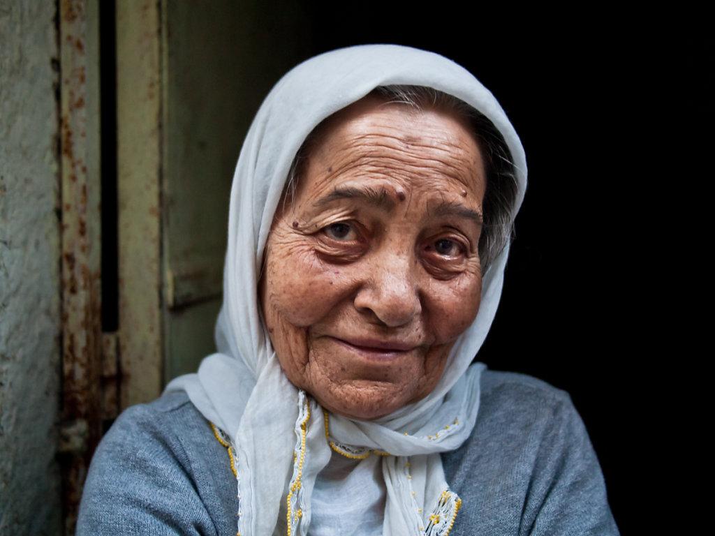 Tarlabaşı Grandma, Istanbul