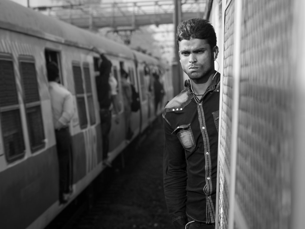 Tough guy on a train, Mahal - Mumbai
