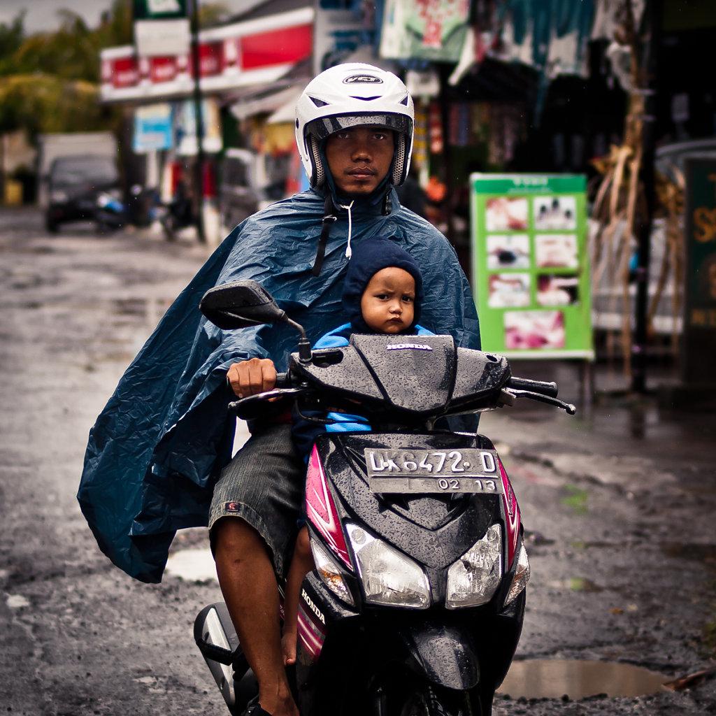 Mr. Cape and the Evil Kid - Simenyak, Bali